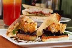 Sandwichs à Crabcake Images libres de droits