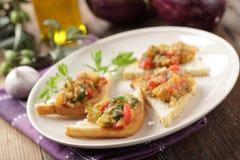 Sandwichs avec le caviar d'aubergine Photographie stock
