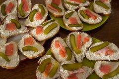Sandwichs ouverts sains à Smorrebrod du danois photographie stock