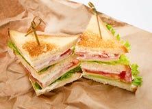 Sandwichs sur le papier Photo stock
