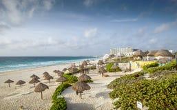 Sandy Beach em Cancun, México imagem de stock royalty free