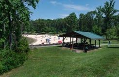 Sandy Beach em um parque de comunidade fotos de stock royalty free