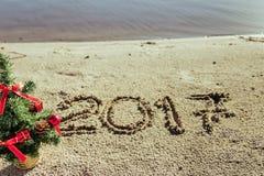 Sandy Beach Het concept van het nieuwjaar Stock Fotografie