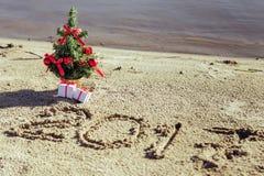 Sandy Beach Het concept van het nieuwjaar Royalty-vrije Stock Foto