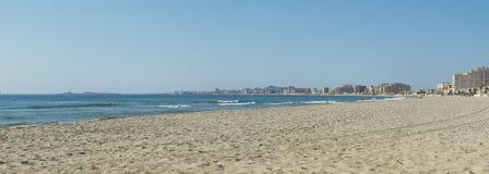 Sandy Beach Line i La Manga del Mar Menor Arkivfoto