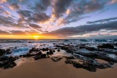 Sandy Beach Sunrise lizenzfreie stockbilder