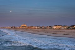 Sandy Beach in ventnor city beach in atlantic city, new jersey a. T sunrise stock photos