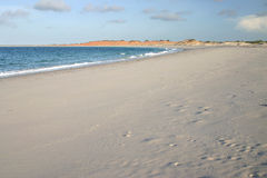 sandy cloudscape na plaży Obraz Royalty Free