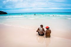 Sandy Couple Bermuda Royalty Free Stock Photography