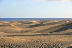 Sandy-D?nen in ber?hmtem nat?rlichem Maspalomas-Strand Gran Canaria spanien lizenzfreie stockbilder
