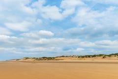Sandy Formby Beach nära Liverpool på en molnig dag Arkivbild