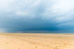 Sandy Formby Beach nahe Liverpool an einem bewölkten Tag Stockfotos