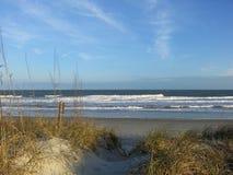 Sandy Ocean Front drapé par dune photo stock