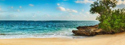sandy plażowy tropikalny panorama Obrazy Royalty Free
