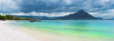 sandy plażowy tropikalny panorama Zdjęcia Stock