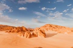 Sandy pustynia w Egipt przy zmierzchem Obrazy Stock