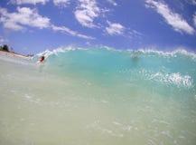Sandy-Strand-Welle lizenzfreies stockbild