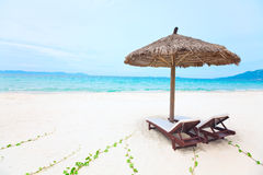 Sandy tropical beach Royalty Free Stock Images