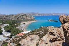 Sandy Vai-Strand und -lagune mit klarem blauem Wasser in Kreta-Insel nahe Sitia-Stadt, Griechenland Lizenzfreies Stockbild