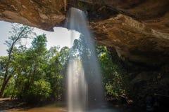 Sang Chan Waterfall Moonlight Waterfall no parque nacional de Pha Taem, província de Ubon Ratchathani, Tailândia imagens de stock