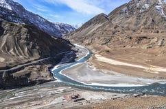 Sangam von sindhu und von zanskar Fluss stockfoto