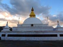Sangchhen paisible Dorji Lhuendrup Lhakhang, Bhutan pendant le crépuscule photos libres de droits