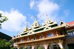 SANGKHLABURI,泰国- 2015年12月27日:Wat Wang Wiwekaram, 图库摄影