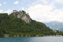 Sangrado: castillo y lago Fotos de archivo libres de regalías