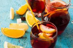 Sangria di rinfresco della frutta Bevanda di estate Immagini Stock Libere da Diritti