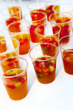 Sangria régénératrice avec des fruits Image stock