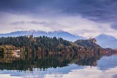 Sanguinato con il lago, la Slovenia, Europa Fotografie Stock