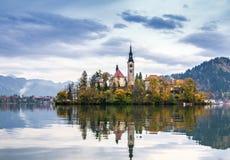 Sanguinato con il lago, la Slovenia, Europa Fotografia Stock