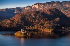 Sanguinato, la Slovenia - bella alba di autunno presa dal castello sanguinato Immagini Stock
