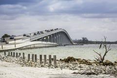 Sanibel堤道和桥梁在佛罗里达 图库摄影