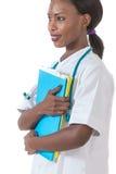 Sanità e concetto medico - medico femminile africano sorridente in ospedale Immagini Stock