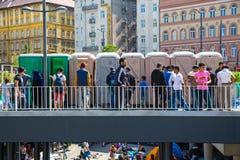 Sanitarna sytuacja splatający uchodźcy przed Kele Obrazy Stock