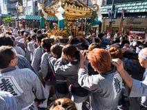 SANJA MATSURI en traditionell händelse i Tokyo royaltyfri bild