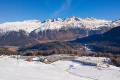 Sankt莫里茨瑞士世界滑雪可汗的准备分配为花坛的区域 库存图片