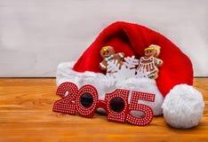 Sankt-Hüte und Weihnachtsplätzchen stockbild