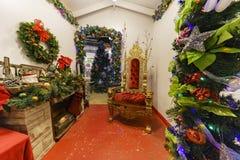 Sankt-Haus im Sägemehl-Kunstwinterfestival am Laguna Beach Lizenzfreies Stockbild