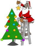 Sankt-Hund, der einen Stern auf einen Weihnachtsbaum setzt lizenzfreie abbildung