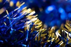Sankt Klaus, Himmel, Frost, Beutel Hintergrund mit Weihnachtsdekorationen Lizenzfreie Stockfotografie