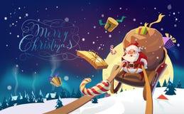 Sankt mit dem Bündel von den Geschenken, die auf einen Pferdeschlitten in den Winterwaldpolarlichtern im Hintergrund fahren Das D Stockbilder