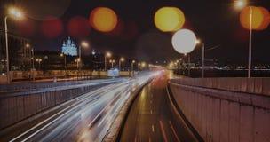 Sankt-Petersburg van de het vervoersnacht verlichte hemel van de architectuurweg de brugstad Stock Foto
