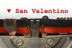 Sankt valentin för skriftlig skrivmaskin i rött färgpulver Royaltyfria Foton
