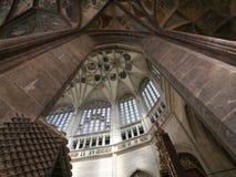 Spetsigt valv av den Sanktt Barbara kyrkan Royaltyfria Bilder