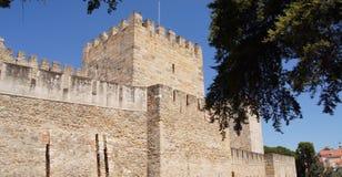 Sanktt Georges slott i Lisbon Arkivbild