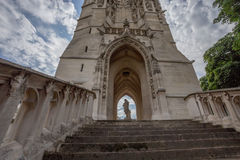 Sanktt-Jacques står hög i Paris Royaltyfri Foto