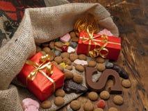 Sanktt Nicholas påse med gåvor Fotografering för Bildbyråer