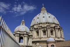 Sanktt Peter Basilicakupol, Vatican stad, Rome, I Arkivbild